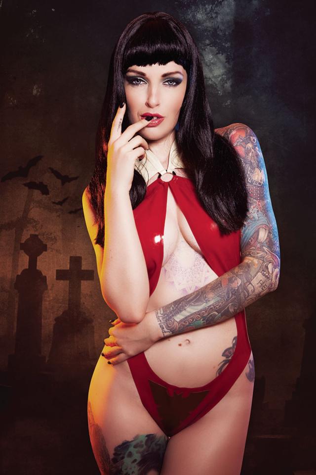 Vampirella #5 (10 Copy Cosplay Virgin Cover)