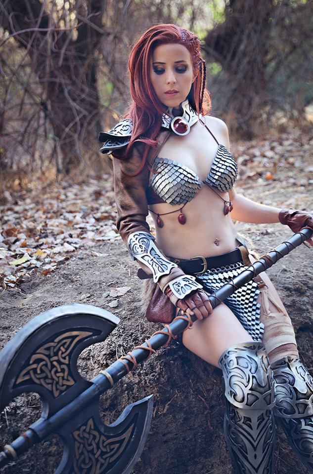 The Invincible Red Sonja #5 (20 Copy Cosplay Virgin Cover)