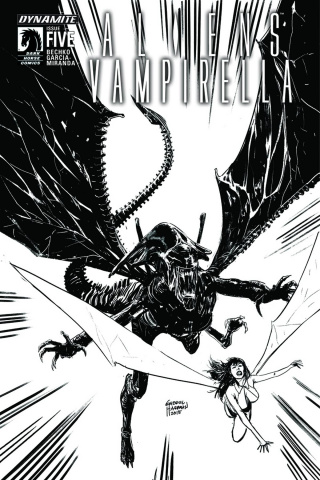Aliens / Vampirella #5 (15 Copy B&W Cover)