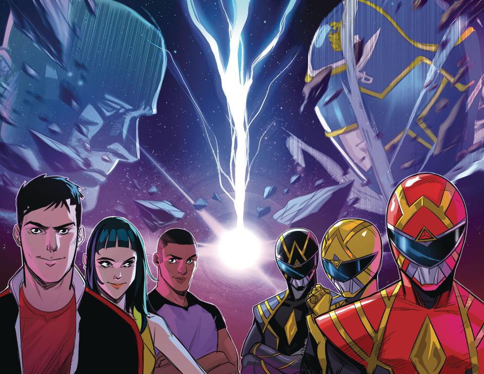 Go, Go, Power Rangers! #32 (Wraparound Foil Cover)
