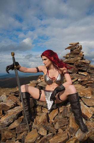 Red Sonja #13 (15 Copy Cosplay Virgin Cover)