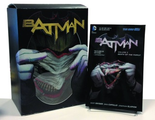 Batman: Death of the Family (Book & Joker Mask Set)