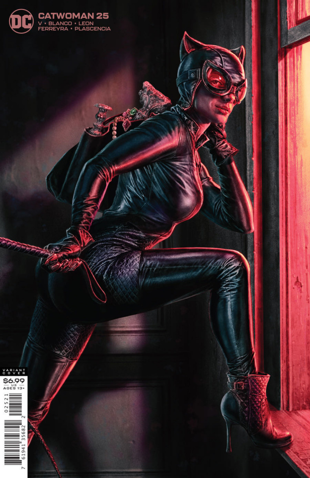 Catwoman #25 (Lee Bermejo Card Stock Cover)