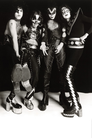 KISS #4 (25 Copy Photo Virgin Cover)