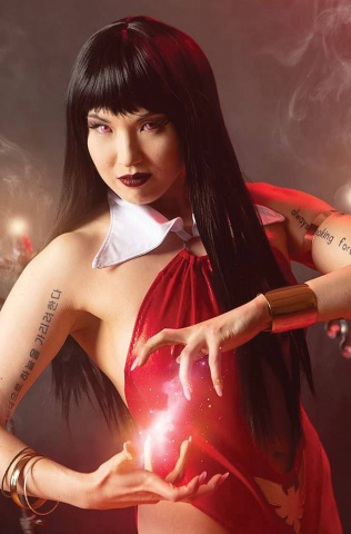Vengeance of Vampirella #17 (20 Copy Stalcup Cosplay Virgin Cover)