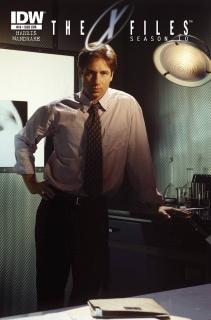 The X-Files, Season 10 #19 (Subscription Cover)