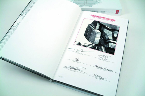 The Transformers: The IDW Collection Vol. 1: Red Label Edition