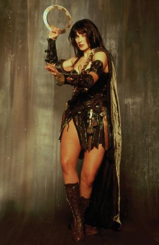 Xena: Warrior Princess #6 (10 Copy Frison Virgin Cover)