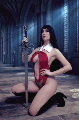 Vengeance of Vampirella #10 (20 Copy Zawadzki Cosplay Virgin Cover)