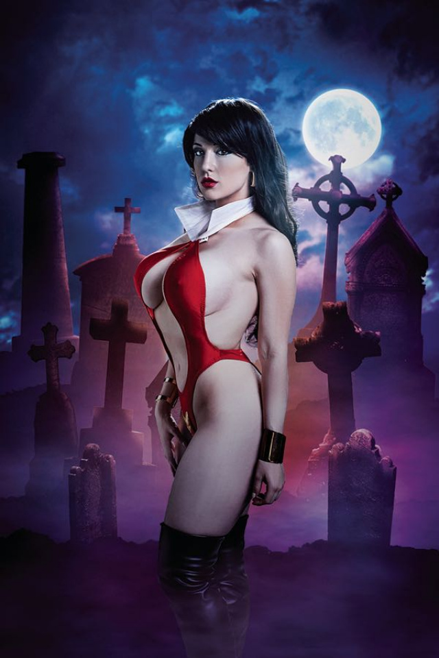 Vampirella #4 (10 Copy Cosplay Virgin Cover)