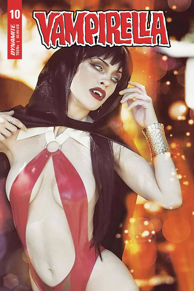 Vampirella #10 (Nixie Sweet Cosplay Cover)