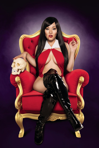 Vampirella #11 (10 Copy Cosplay Virgin Cover)