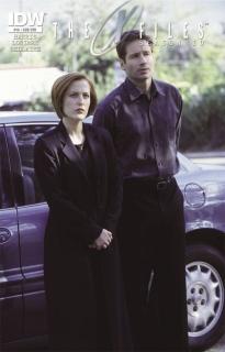 The X-Files, Season 10 #16 (Subscription Cover)