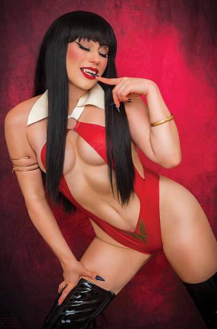 Vampiverse #2 (15 Copy Cosplay Virgin Cover)