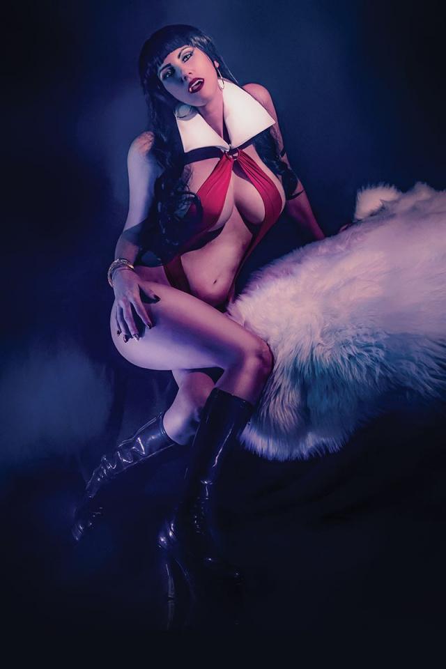Vengeance of Vampirella #2 (20 Copy Cosplay Virgin Cover)