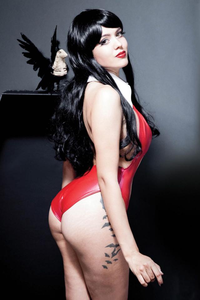 Vampirella #8 (10 Copy Cosplay Cover)