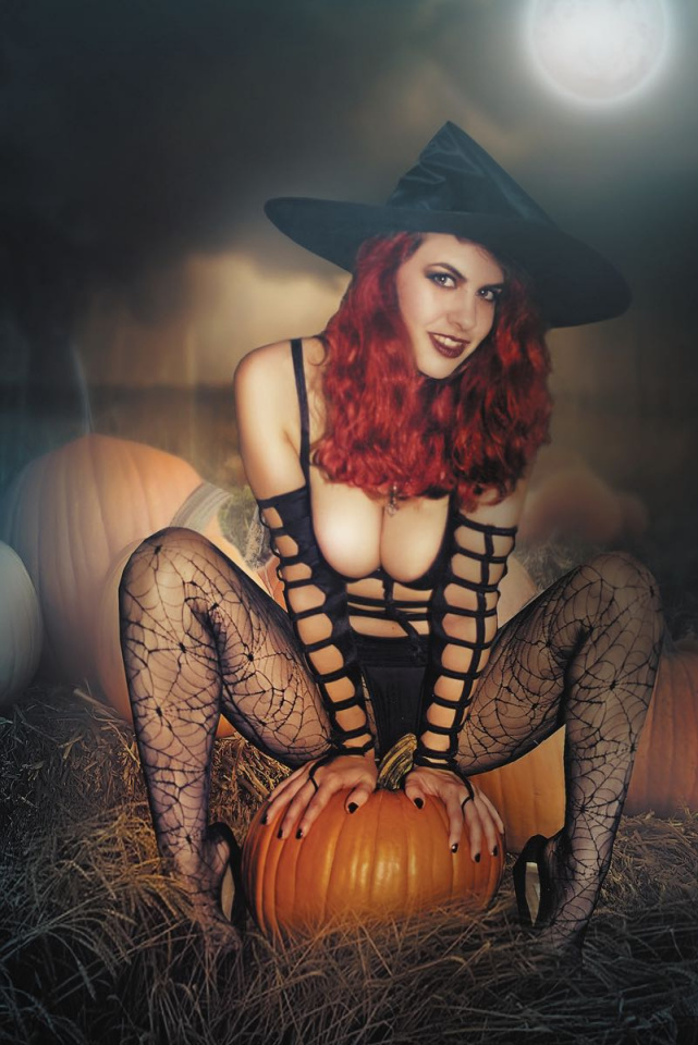 Tarot: Witch of the Black Rose #106 (Photo Cover)