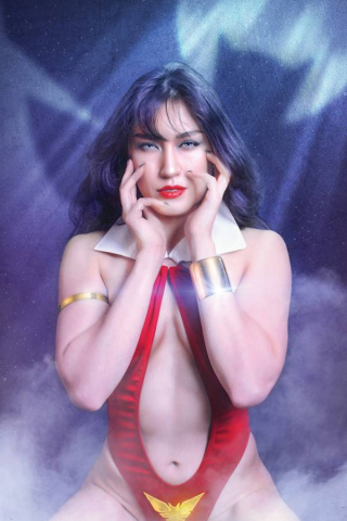 Vampirella #14 (25 Copy Lee Cosplay Virgin Cover)