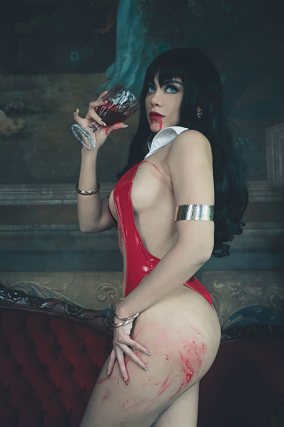 Vengeance of Vampirella #6 (20 Copy Lorraine Cosplay Virgin Cover)