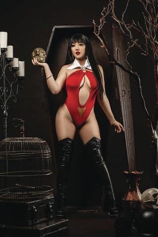 Vengeance of Vampirella #9 (20 Copy Ramirez Cosplay Virgin Cover)