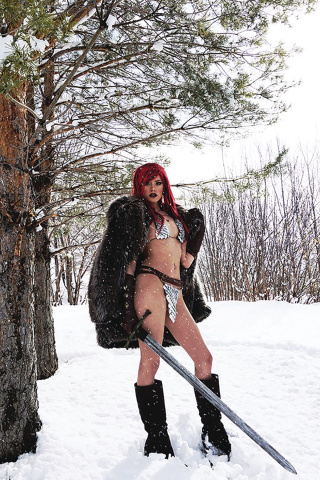 Red Sonja #23 (30 Copy Cosplay Virgin Cover)