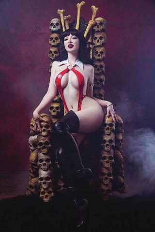 Vampirella #7 (25 Copy Cosplay Virign Cover)