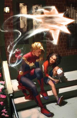 Avengers #15 (Parel Captain Marvel Cover)