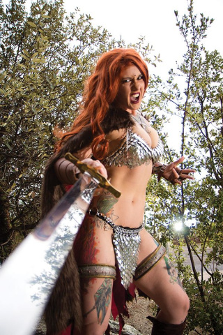 Red Sonja #9 (15 Copy Cosplay Virgin Cover)