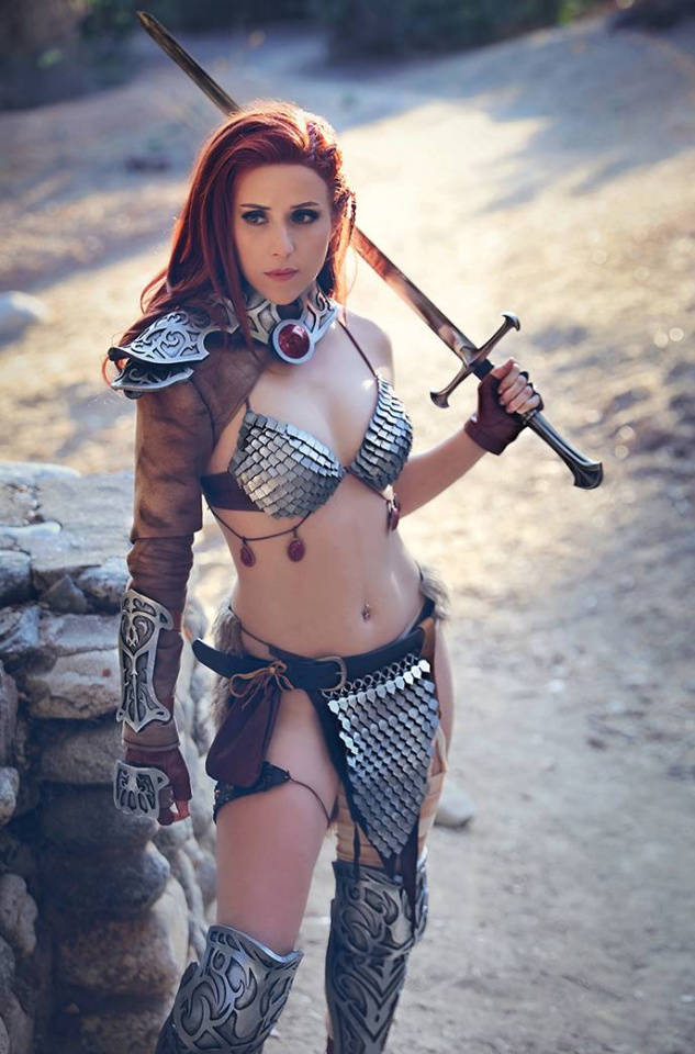 The Invincible Red Sonja #1 (11 Copy Cosplay Virgin Cover)