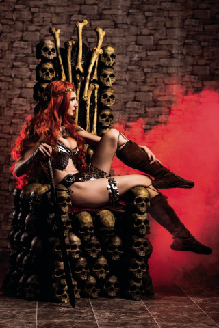 Red Sonja #4 (10 Copy Cosplay Virgin Cover)