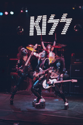 KISS #6 (25 Copy Photo Virgin Cover)