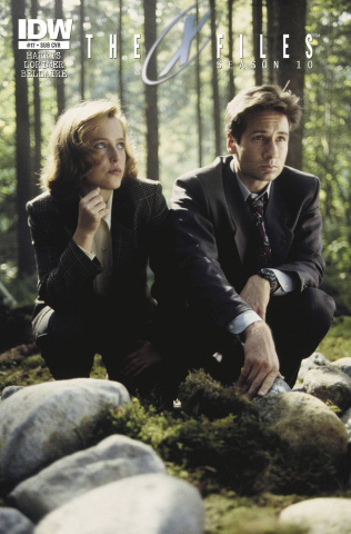 The X-Files, Season 10 #17 (Subscription Cover)