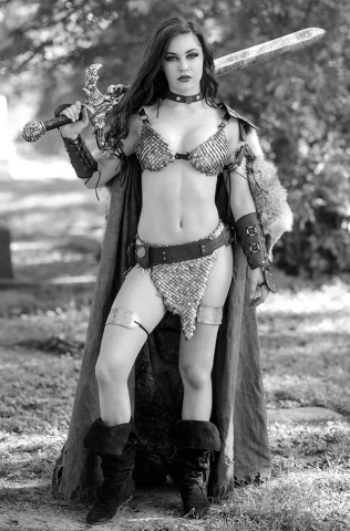Red Sonja: The Superpowers #3 (Cosplay B&W Virgin Premium Cover)