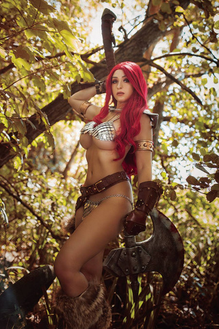 Red Sonja: The Superpowers #1 (35 Copy Lyons Cosplay Virgin Cover)