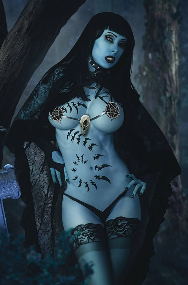 Tarot: Witch of the Black Rose #123 (Cosplay Photo Cover)
