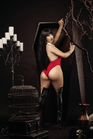 Vampirella #17 (25 Copy Ramirez Cosplay Virgin Cover)