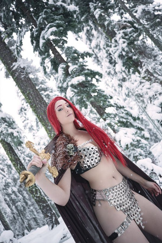 Red Sonja #8 (15 Copy Cosplay Virgin Cover)