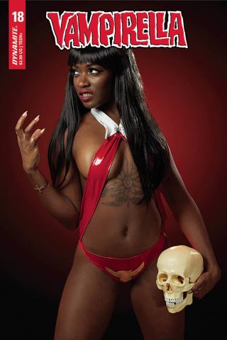 Vampirella #18 (Roll Cosplay Cover)