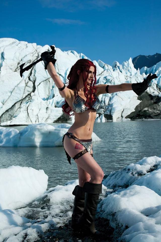 Red Sonja #15 (15 Copy Cosplay Virgin Cover)