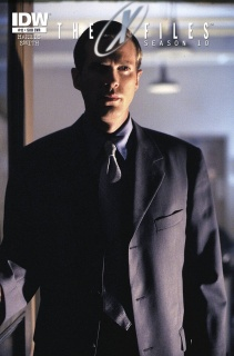 The X-Files, Season 10 #12 (Subscription Cover)