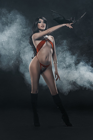 Vengeance of Vampirella #1 (30 Copy Cosplay Virgin Cover)