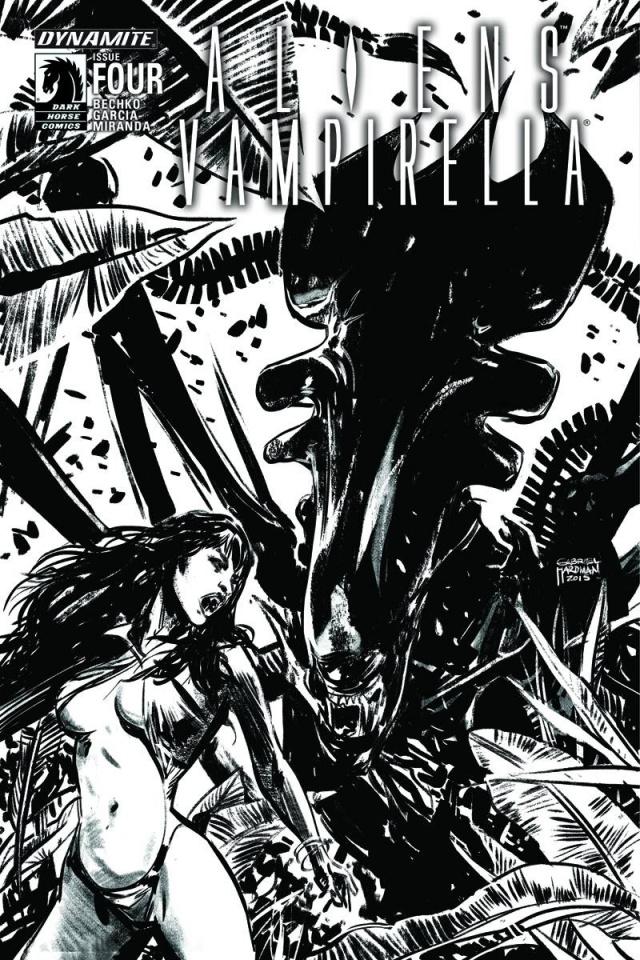 Aliens / Vampirella #4 (15 Copy B&W Cover)