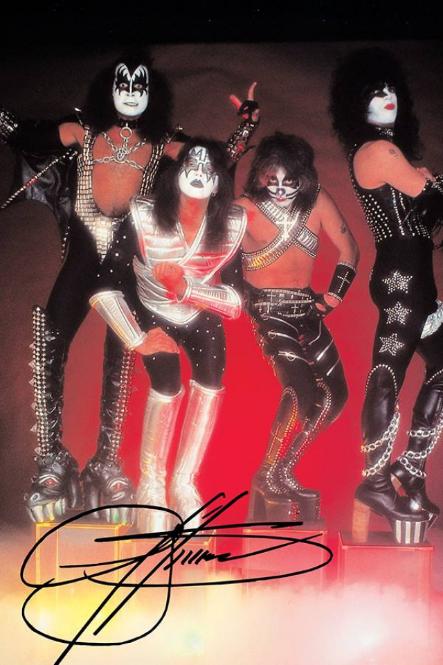 KISS: Zombies #1 (Gene Simmons Signed Virgin Photo Cover)