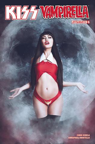 KISS / Vampirella #5 (Cosplay Cover)
