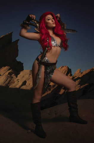 Red Sonja: The Superpowers #4 (35 Copy Cosplay Virgin Cover)